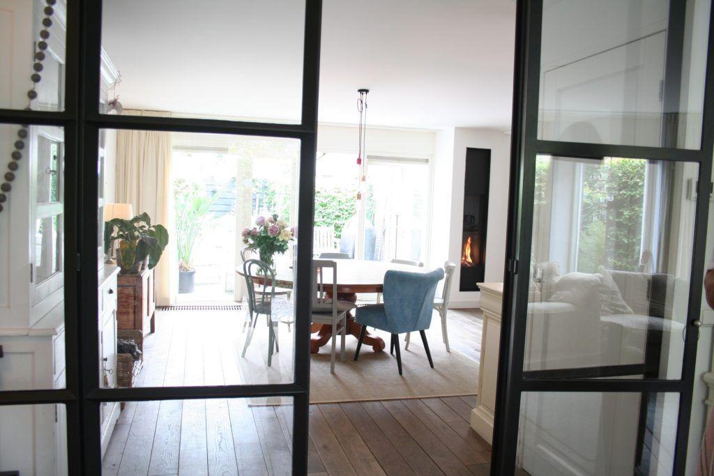 Vakantiehuis Beach Baron is geschikt voor 6 personen en ligt in een rustige wijk in Bergen